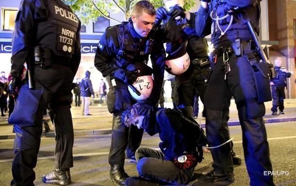 В Дрездене в столкновениях с футбольными фанами пострадали 185 полицейских