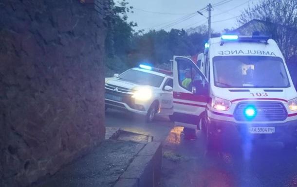 В Киеве наркоман заблокировал движение и крушил авто