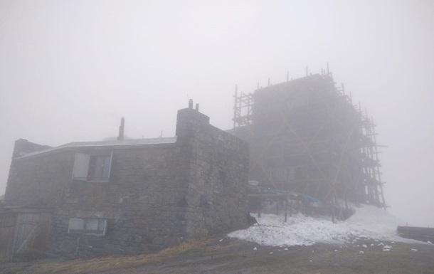 В Карпатах снова выпал снег