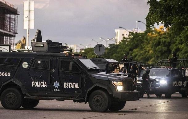В Мексике в автофургоне обнаружили тела девяти человек