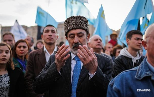 Зеленський про депортацію татар: Працюємо, щоб повернути Крим