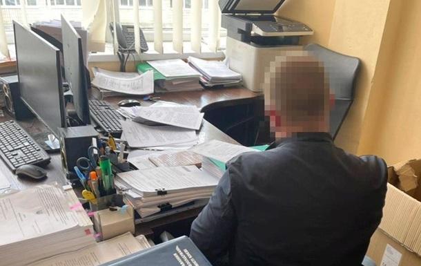 На Харківщині співробітник податкової за $50 тисяч хотів вплинути на колег