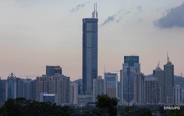 У Китаї хмарочос, хитаючись, налякав тисячі людей