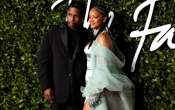 Рэпер A$AP Rocky подтвердил отношения с Рианной