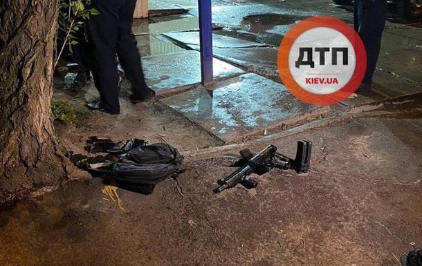 На улице Киева военный получил пулевое ранение