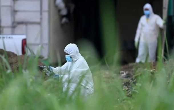 Семь ям с телами женщин во дворе: экс-полицейского подозревают в убийствах