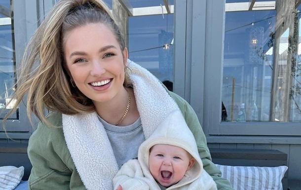 Роми Стрейд вместе с дочерью украсила обложку глянца