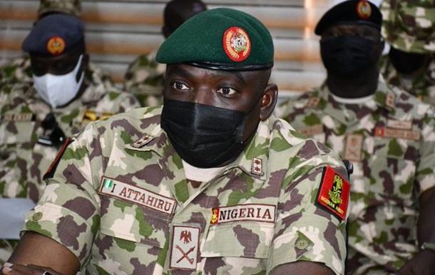 В Нигерии упал военный самолет: погиб начштаба армии страны