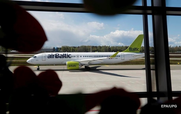 Латвійська авіакомпанія припинила польоти над Білоруссю