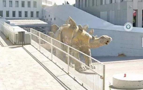 В Барселоне тело пропавшего мужчины нашли в статуе динозавра