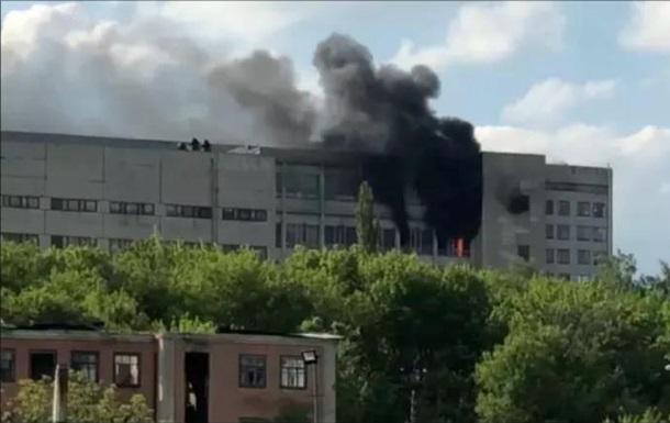 В Харькове случился пожар на заводе