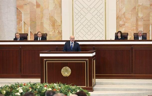 Лукашенко заявил о начале 'удушения' Беларуси