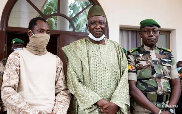 Второй за год переворот. Чем недовольна хунта Мали