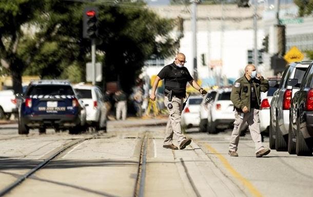В США при стрельбе погибли восемь человек