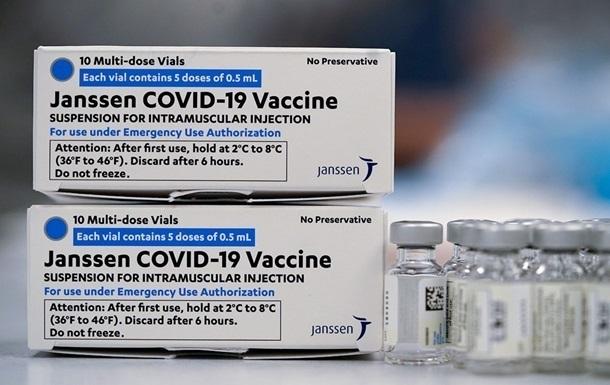 В Украину привезли вакцину Johnson&Johnson, но не для всех