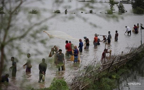 На Индию обрушился мощный циклон