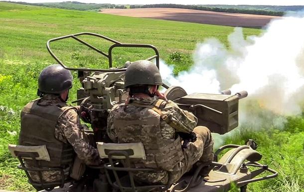 На Донбасі 14 обстрілів, у ЗСУ втрати