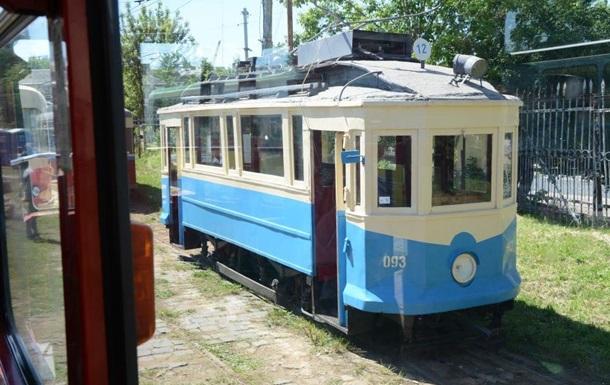 Во Львове показали ретро трамваи