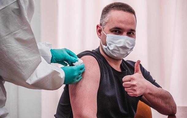 Мільйон українців прищепили першою дозою від COVID-19
