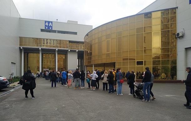 За выходные в киевском Центре вакцинации привили 3467 человек