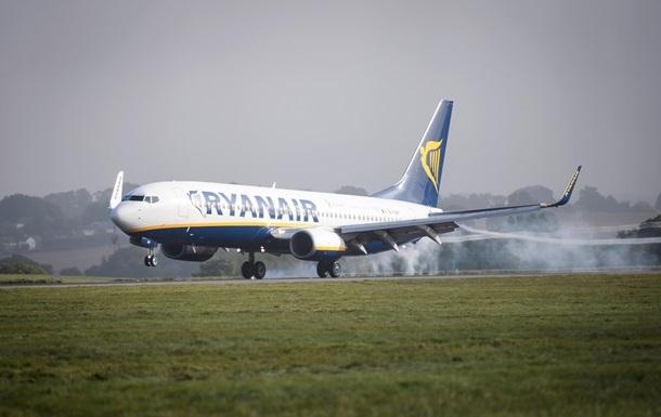 Літак Ryanair приземлився в Берліні через  мінування