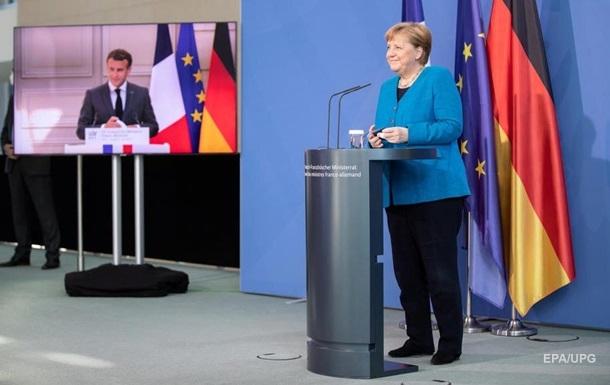 Меркель і Макрон висловилися про долю  Нормандії