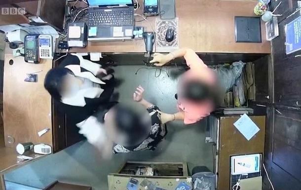 У Сеулі дружина посла Бельгії вдарила співробітницю магазину
