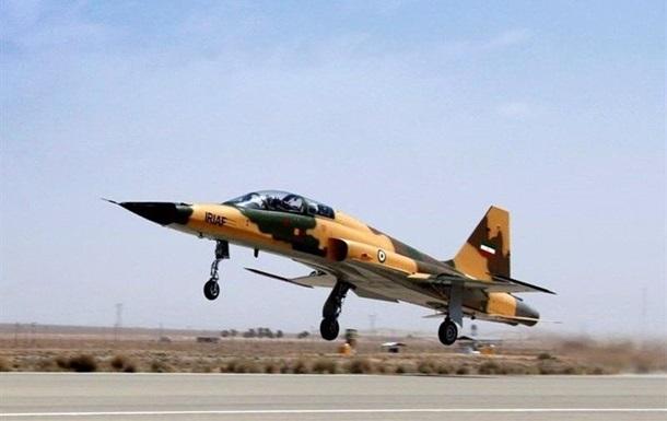 В Ірані два льотчики загинули під час катапультування з винищувача