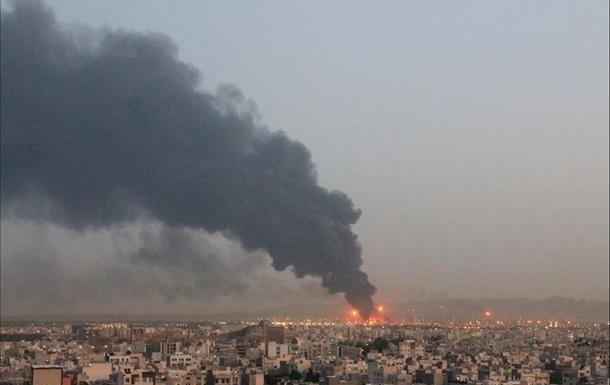 У Тегерані горить один із найбільших НПЗ Ірану