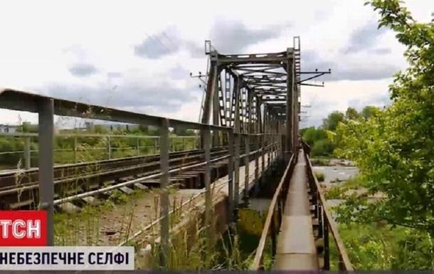 В Івано-Франківську підлітка вдарило струмом на залізничному мосту