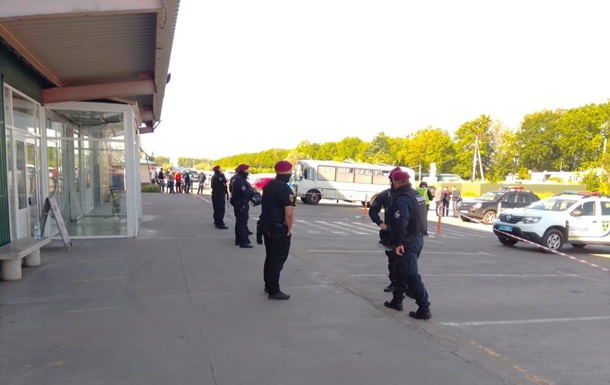 Ринок Столичний у Києві охороняють силовики