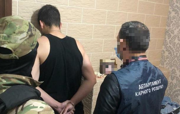 Задержаны мошенники, 'продававшие' несуществующее топливо и удобрения