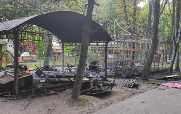 В Виннице пожар уничтожил детские аттракционы
