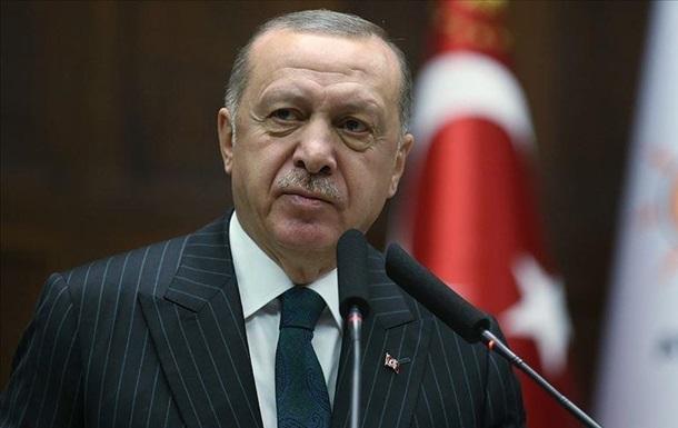 Ердоган отримав три дози вакцини від коронавірусу