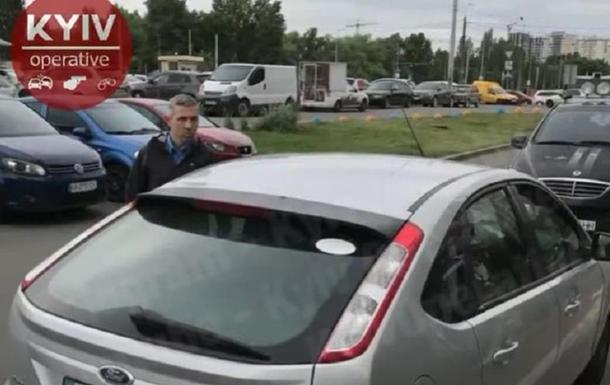 У Києві таксист напав з балончиком на пасажирку