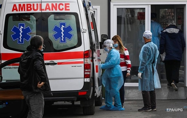 В Винницкой области из окна пятого этажа выпал маленький ребенок