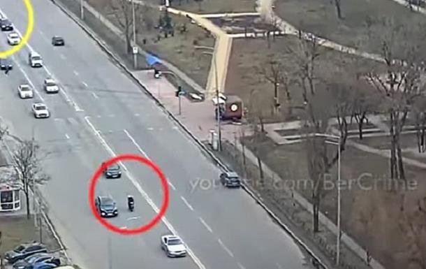 Курьер, удравший от патрульной полиции Киева на скутере, сдался
