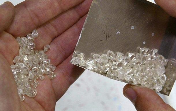 У Гонконзі виявили найбільшу партію контрабандних діамантів