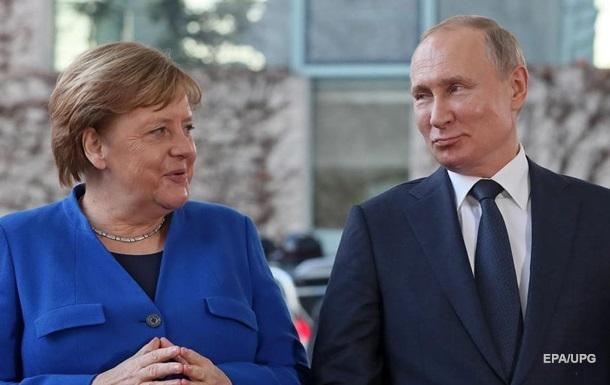 Путін розповів про стосунки з Меркель