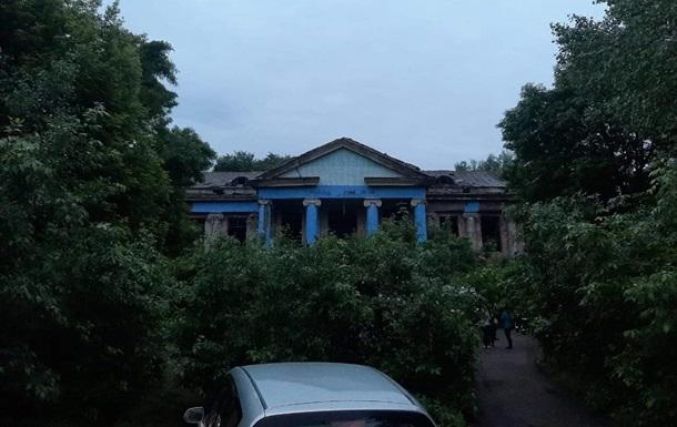 На Луганщине в заброшенном здании погибла 13-летняя девочка
