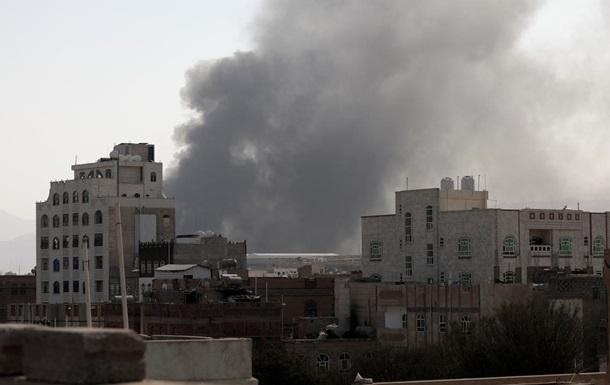 У Ємені 16 людей загинули через влучення ракети в АЗС