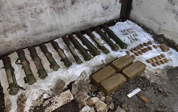 СБУ виявила схованку зі зброєю Гіркіна