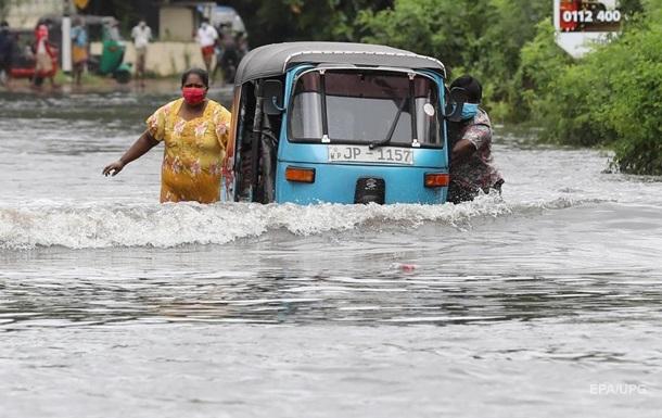 Смертоносна повінь на Шрі-Ланці. Фоторепортаж