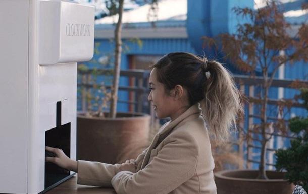 У США з явився перший в світі робот для манікюру