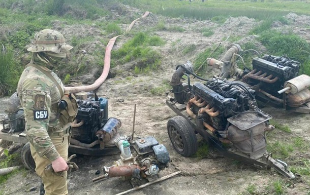 СБУ изъяла десятки мотопомп у копателей янтаря
