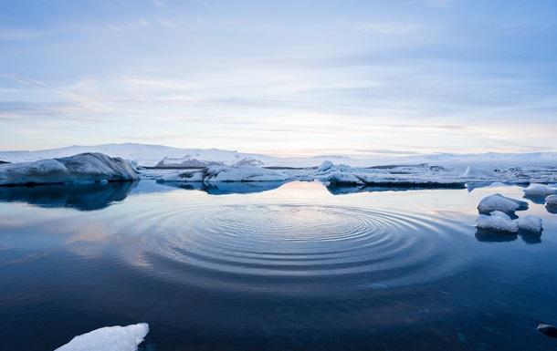 В Арктиці розтанув рекордно великий льодовик