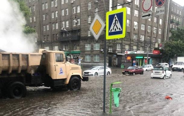 В Харькове и Керчи выпал град и прошли ливни