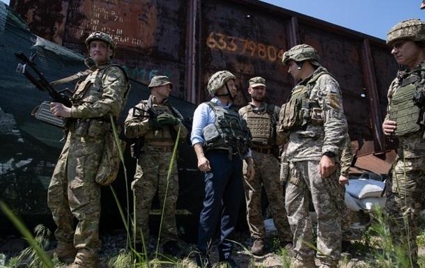 Зеленский приехал на Донбасс
