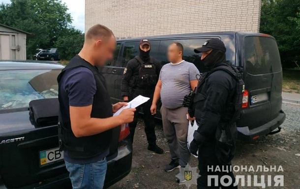 Полиция разоблачила группу, сбывавшую фальшивые документы