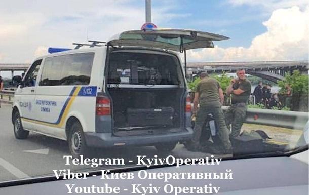 У Києві перекрили міст Метро